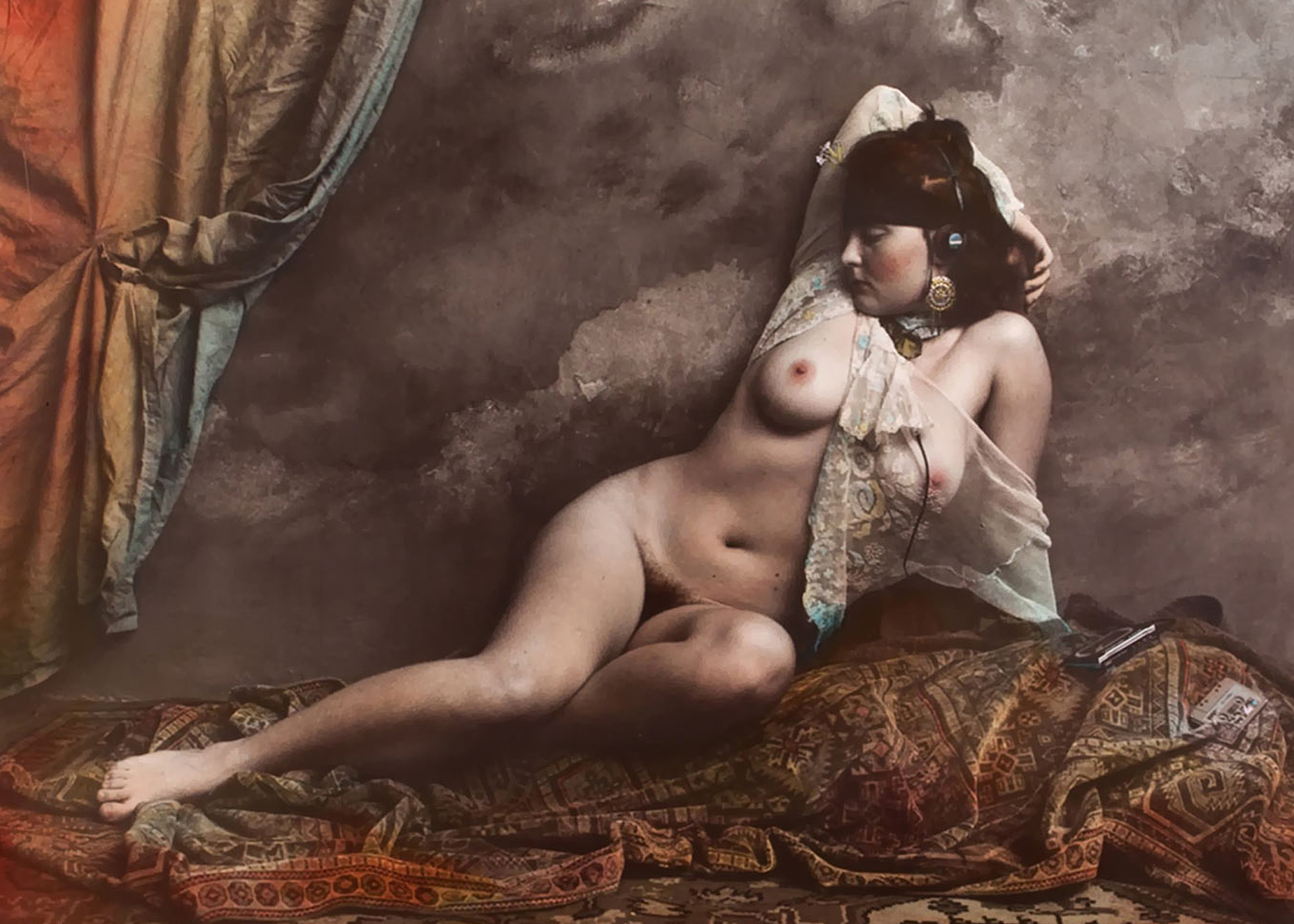 PHOTOGRAPHY : JAN SAUDEK