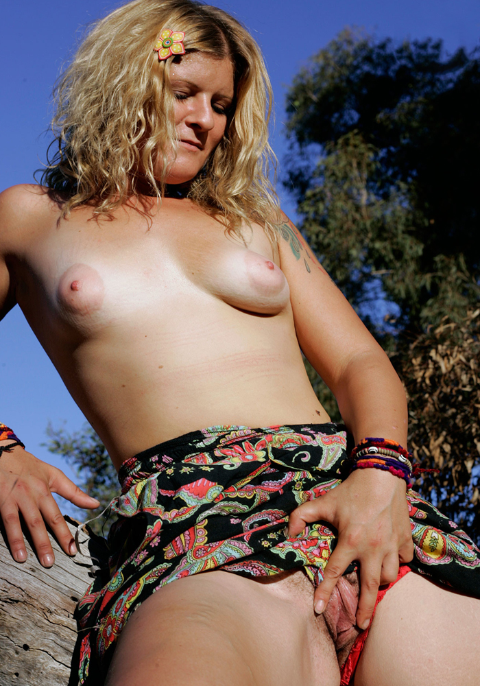 Girls-out-west-02-vertical-0003