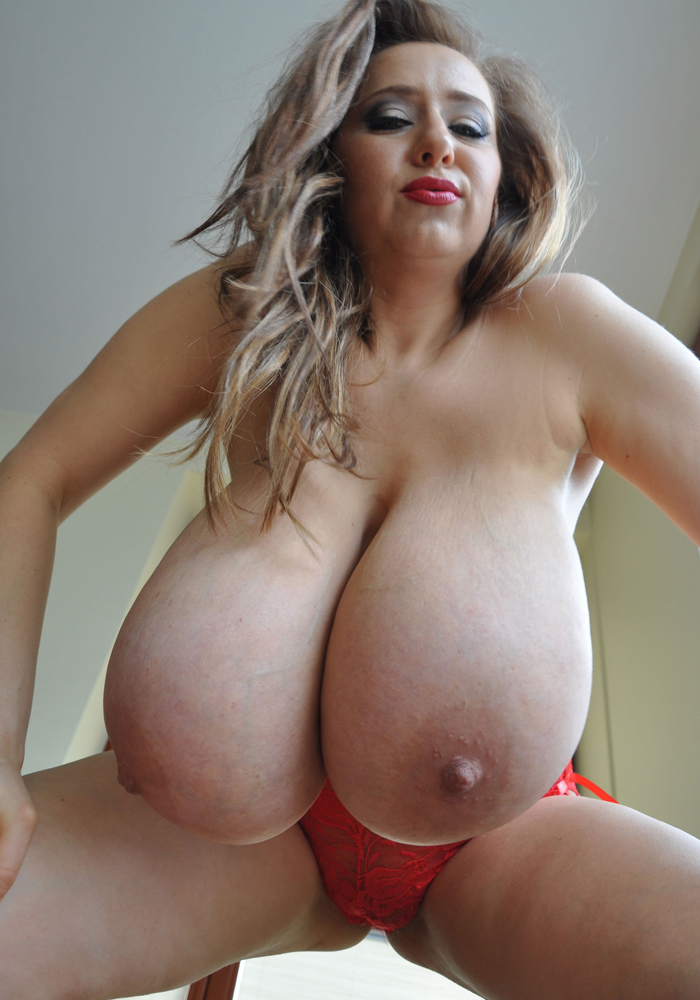 Uk girl big natural tits webcam