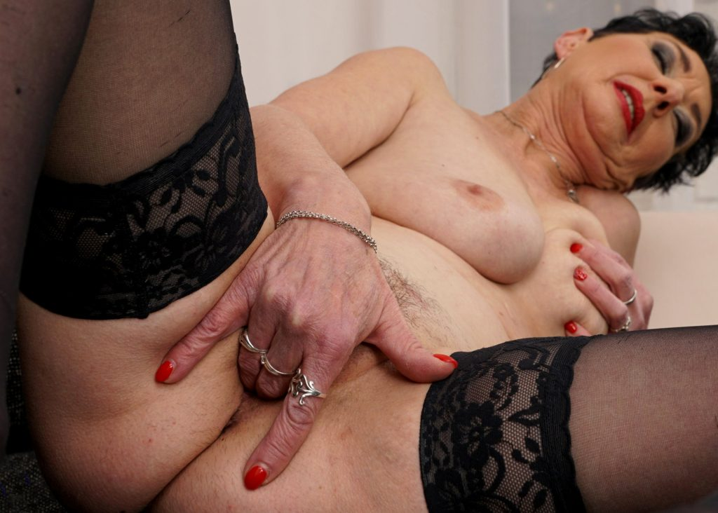 Beautiful Older Mature Porn